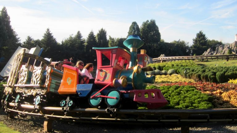 Tren de Casey Junior en Fantasyland de Disneyland Paris