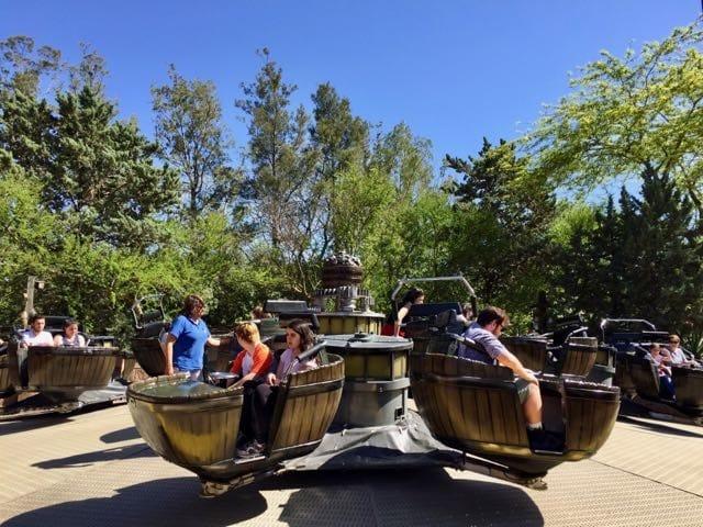 Crazy Barrels atracción de Far West en PortAventura