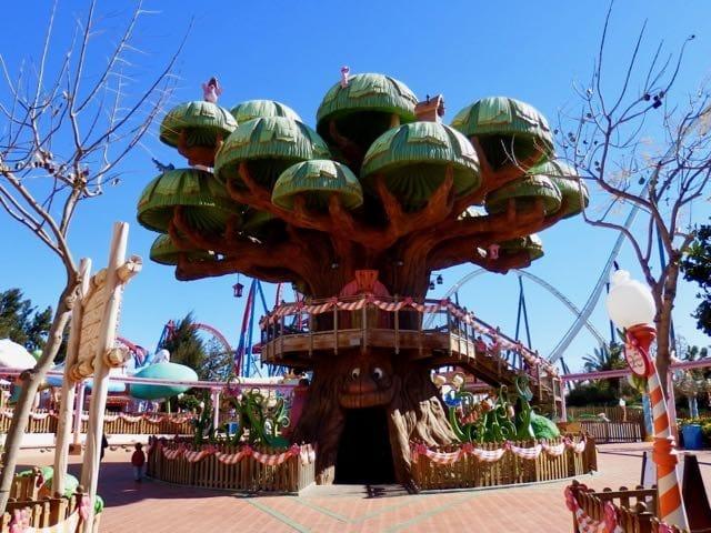 El Árbol Mágico atracción de SésamoAventura en PortAventura