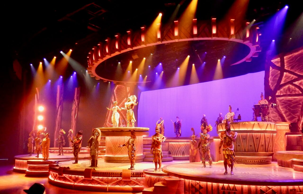 Final del show de El Rey Leon y los Ritmos de la Tierra en Disneyland Paris