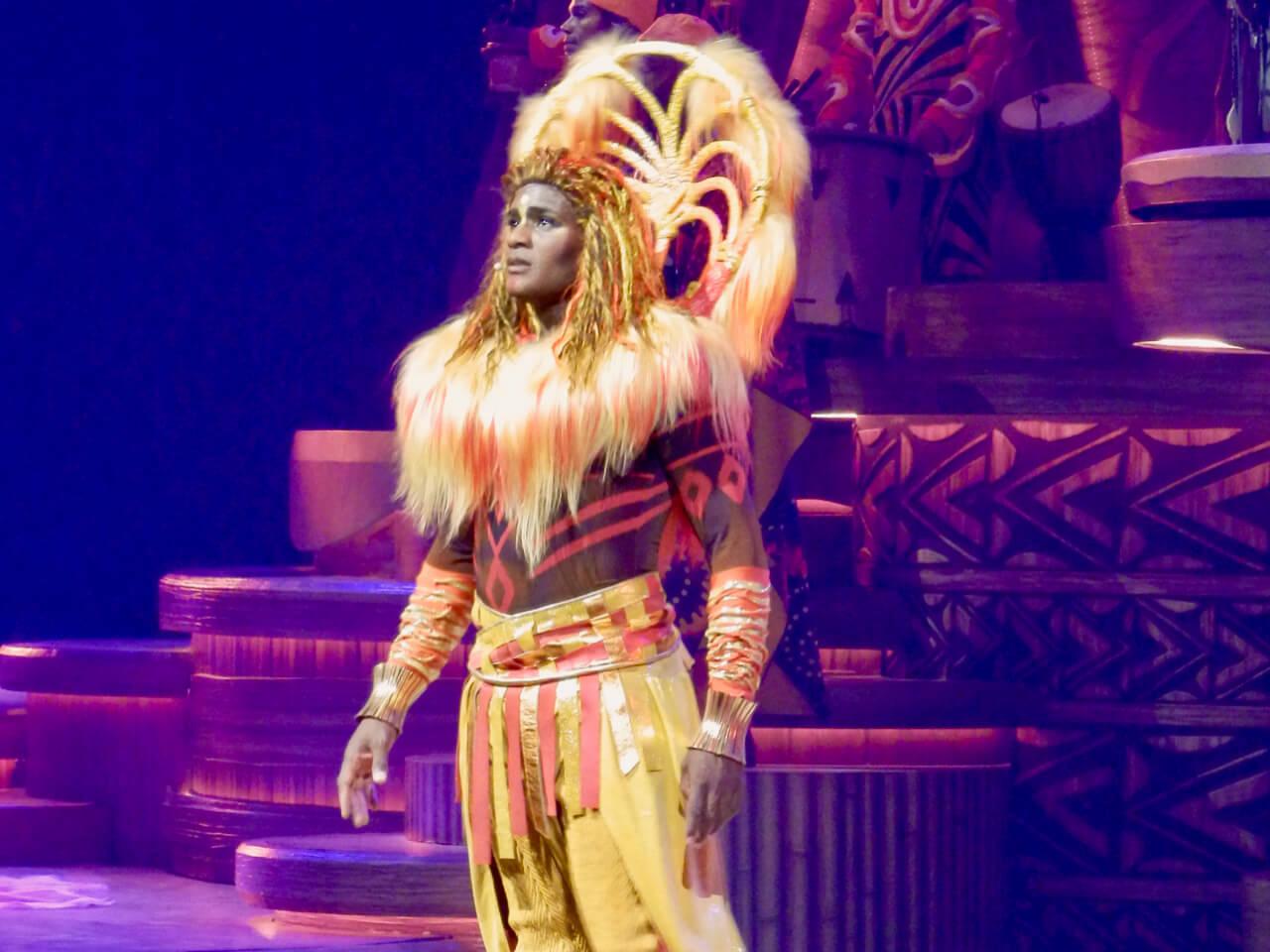 Simba en el show El Rey León y los Ritmos de la Tierra en Disneyland Paris