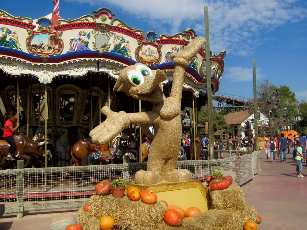 Decoraciones de Halloween en PortAventura Woody