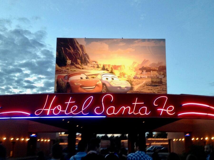 Entrada al Hotel Santa Fe en Disneyland Paris