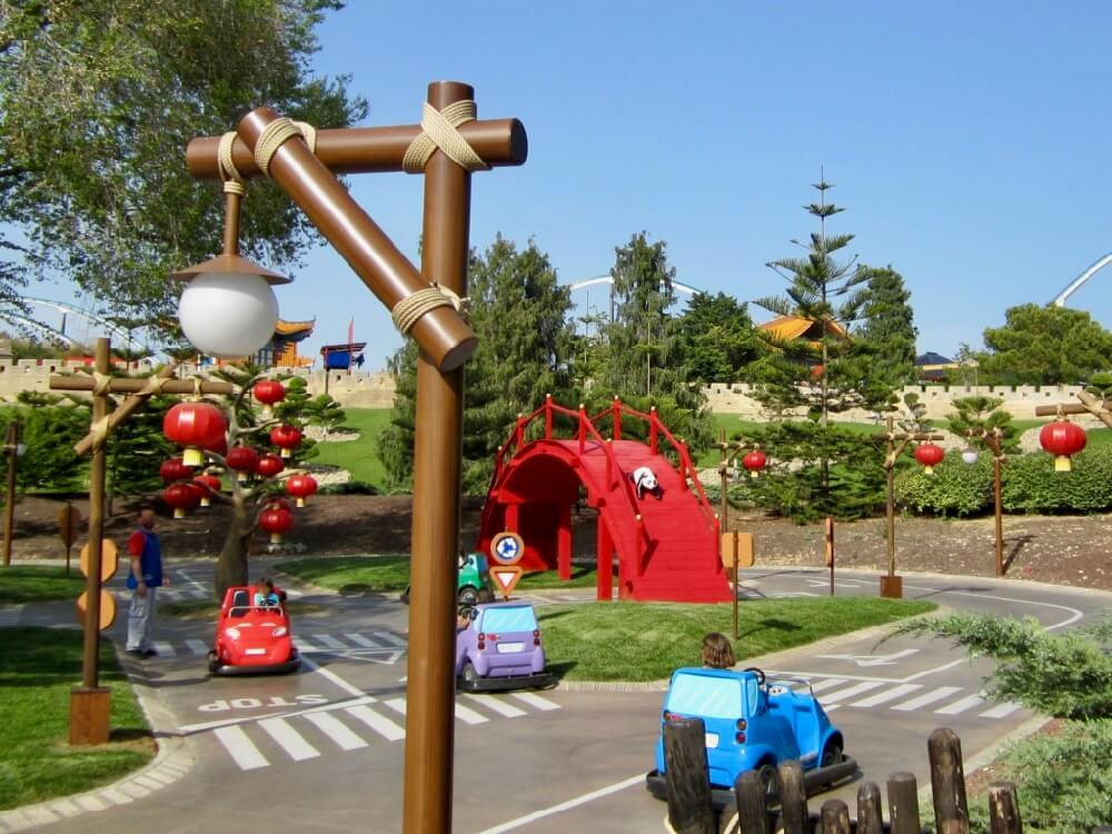 Escuela de Conduccion Kids & Cars de China en PortAventura