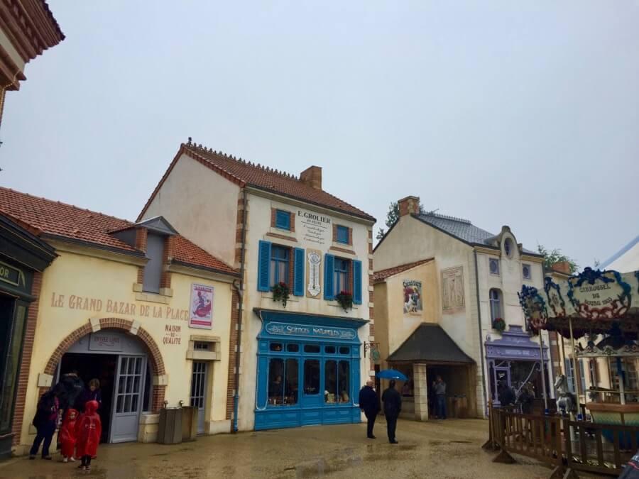 Le Bourg 1900 en Puy du Fou