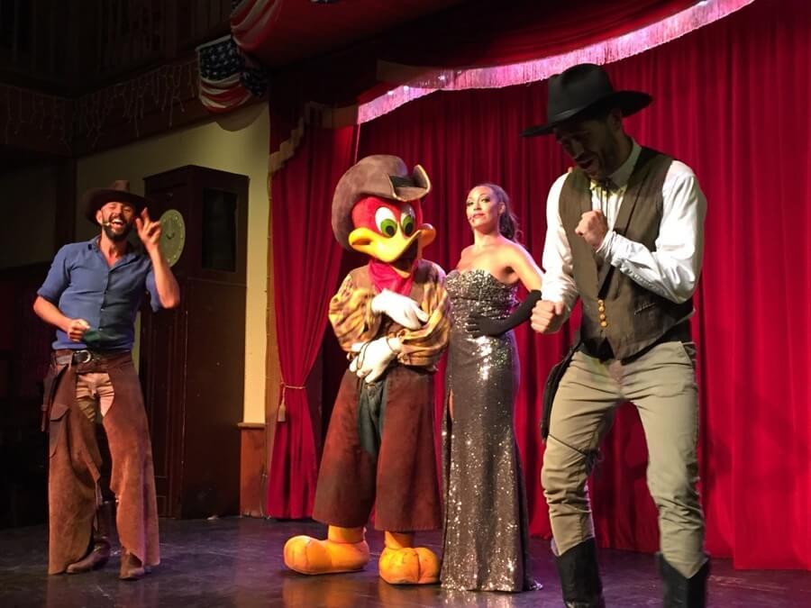 Show Can Can West en el Saloon de PortAventura