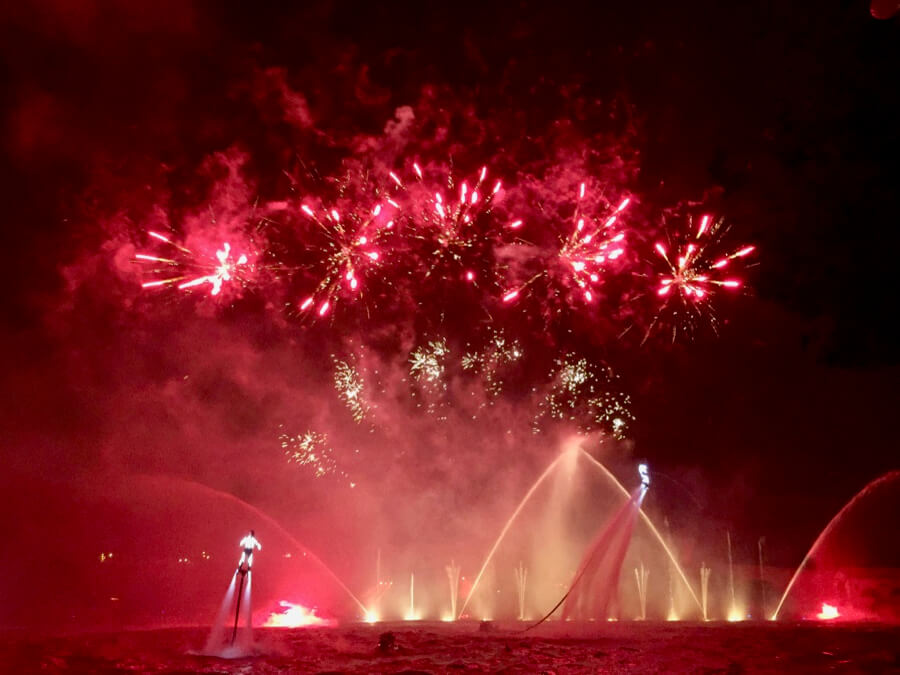 Fuegos artificiales Horror en el Lago