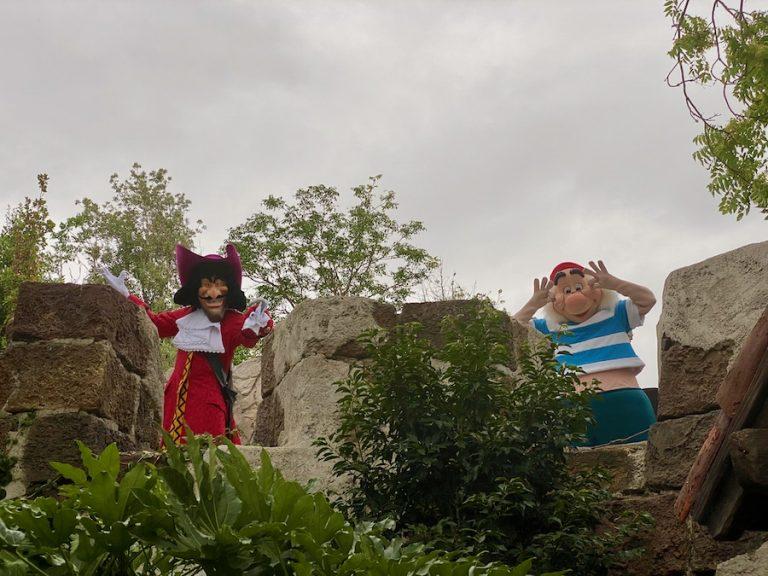 Capitán Garfio y Smee en Disneyland Paris 2020