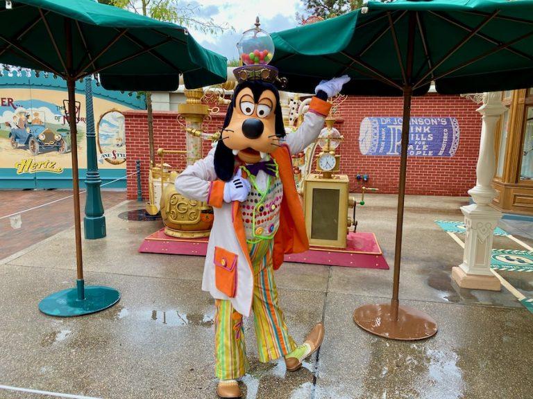 Goofy disfrazado en el Halloween 2020 de Disneyland Paris