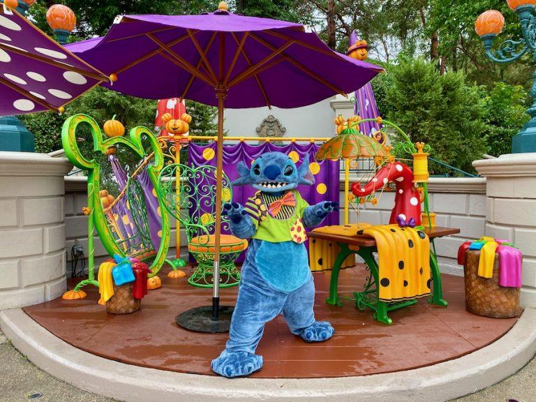 Stitch disfrazado en el Halloween 2020 de Disneyland Paris