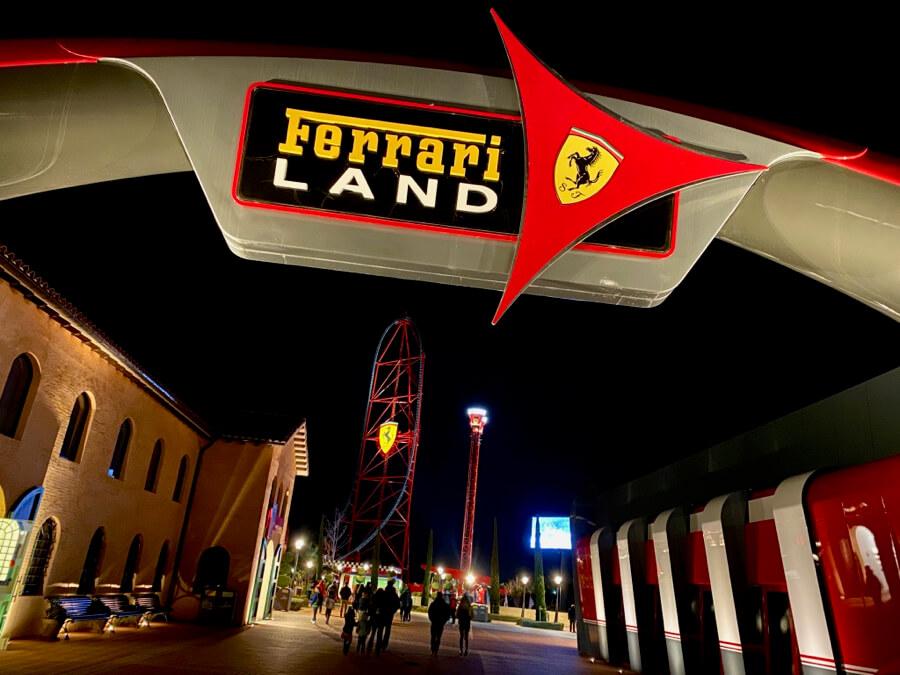 Entrada Ferrari Land Noches Italianas