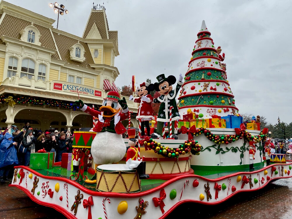 Disneyland Paris Navidad - Disney Christmas Parade Mickey