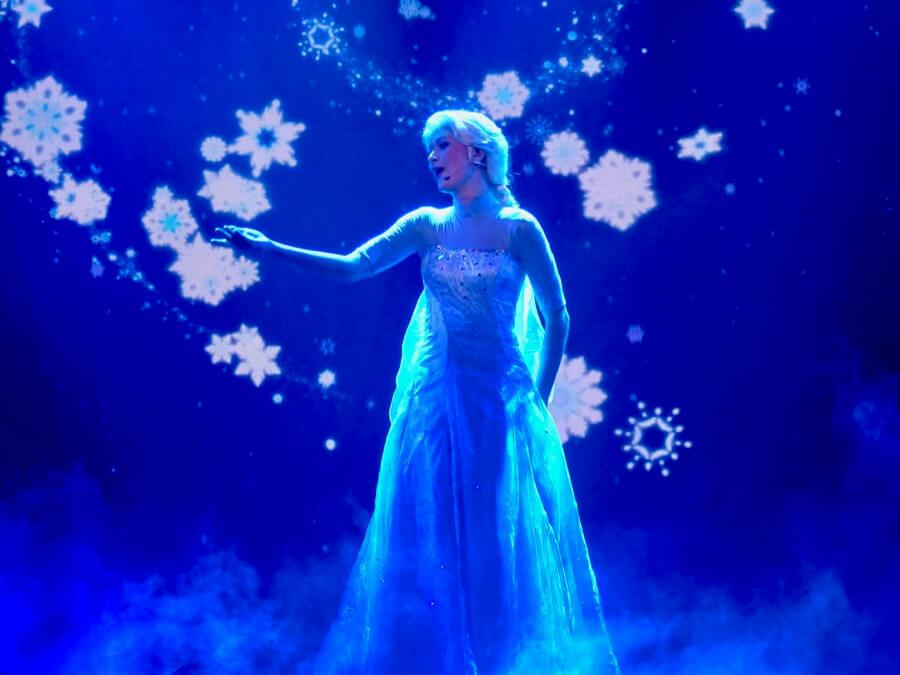 Elsa en Mickey y el Mago Frozen