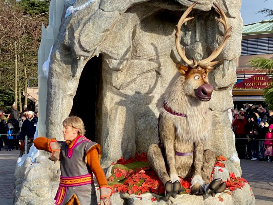 Sven y Kristoff en en Frozen 2 an Enchanted Celebration