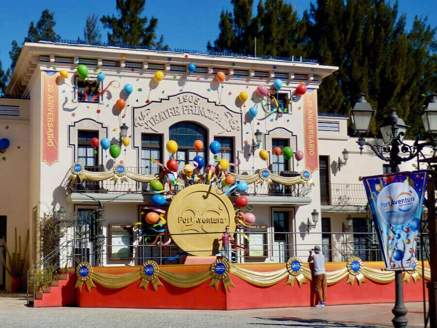 Decoración del 20 aniversario de PortAventura
