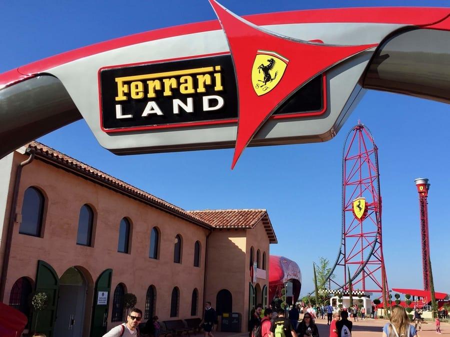 Entrada a Ferrari Land en PortAventura World