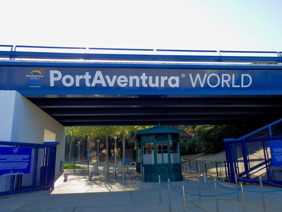Entrada peatonal a PortAventura World