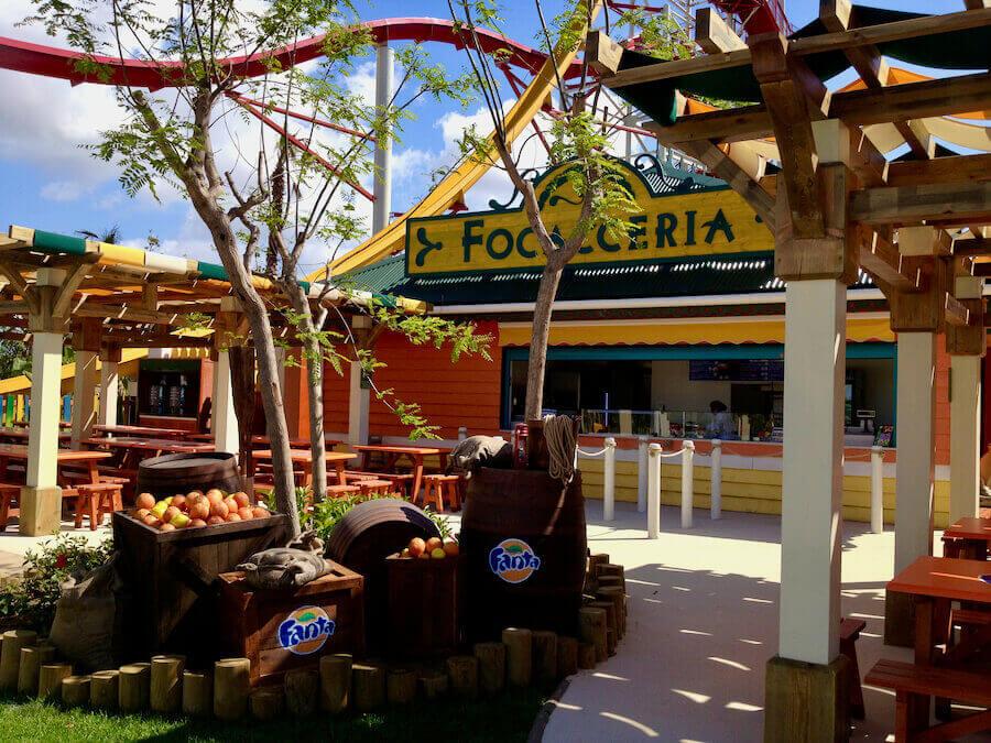 Exterior del restaurante Foccaceria de Caribe Aquatic Park en PortAventura World