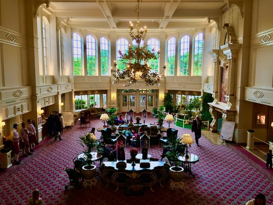 Lobby Hotel Disneyland en Disneyland Paris