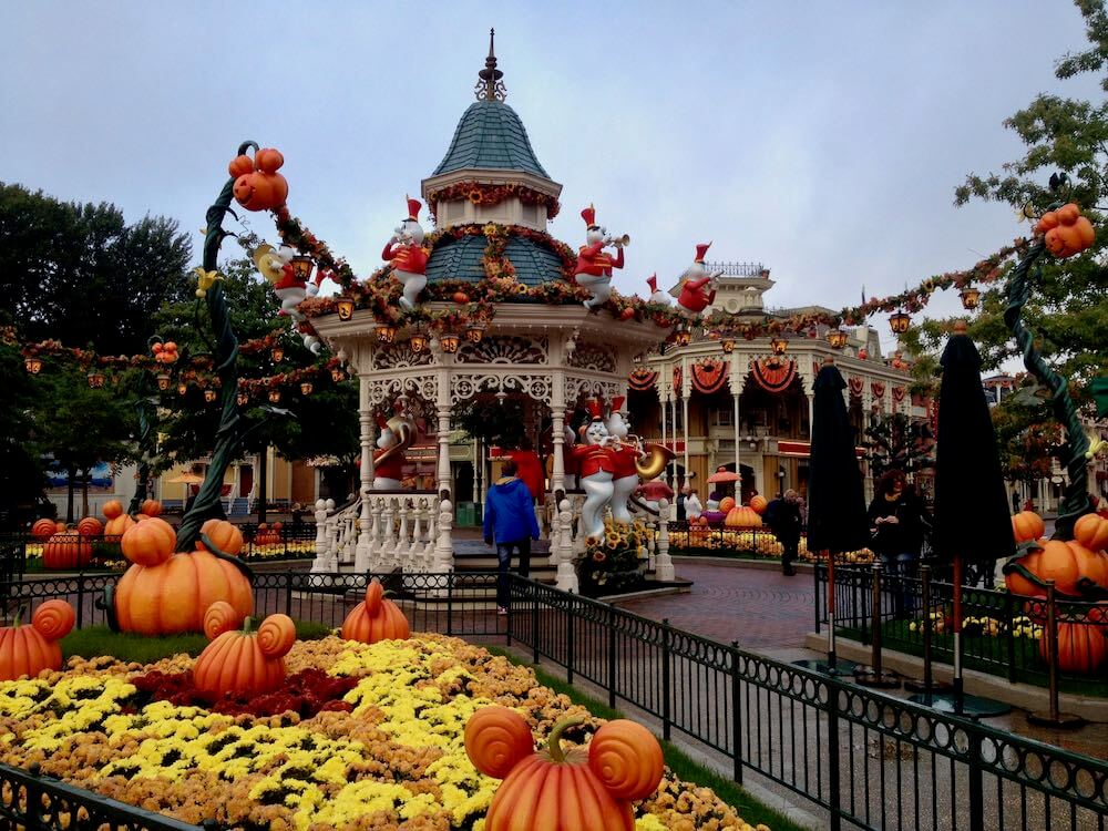 Main Street Square de Disneyland Paris en Halloween