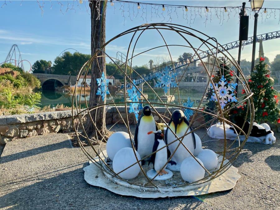 Navidad PortAventura decoración Pinguinos Mediterrania