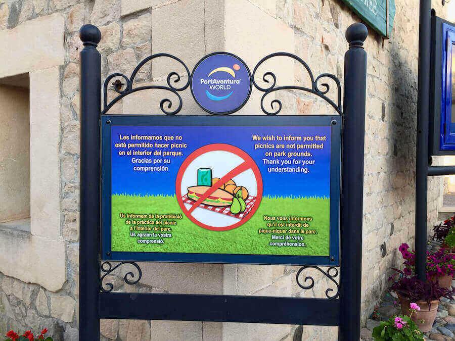 Señal de Prohibido Picnic de la Entrada de PortAventura