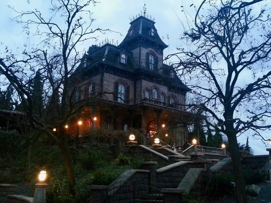 Disneyland Paris Halloween Phantom Manor de noche