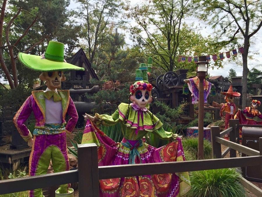 Disneyland Paris decoraciones Dia de los Muertos Frontierland