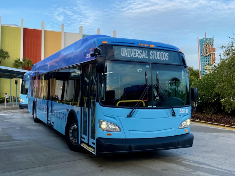 Bus de Universal Orlando en el hotel Cabana Bay Beach Resort