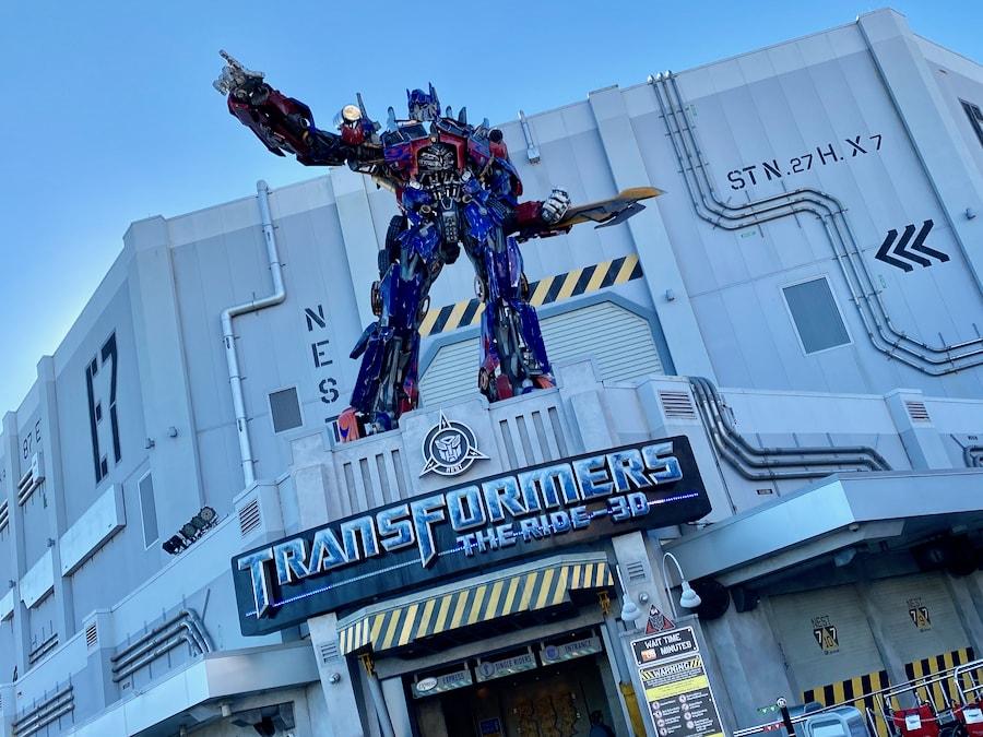 Cartel de la atracción de Transformers en Universal Studios Florida