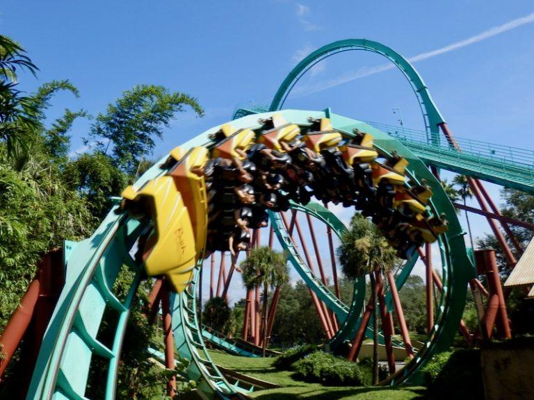 Montaña rusa Kumba en Busch Gardens Tampa Bay