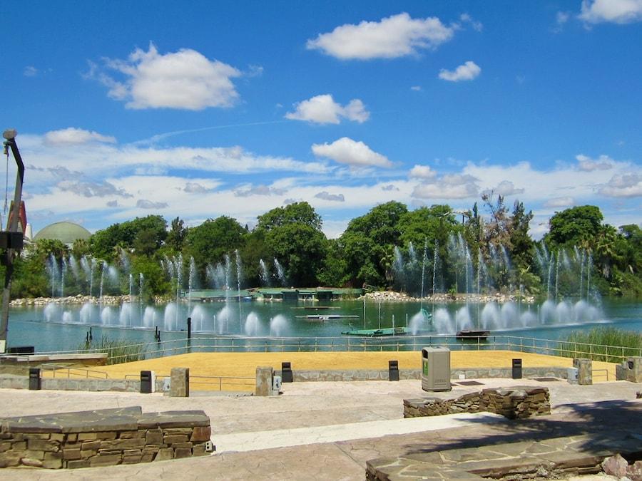 Anfiteatro del Lago en Isla Mágica de Sevilla