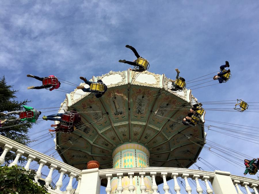 Diavolo sillas voladoras del Parque de Atracciones Tibidabo