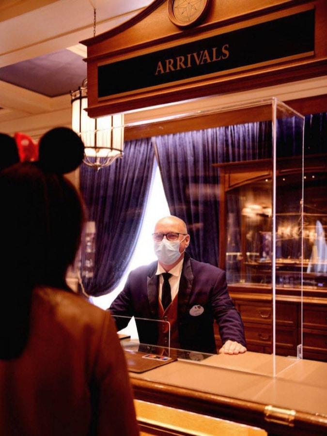 Medidas de protección en recepción de los hoteles de Disneyland Paris