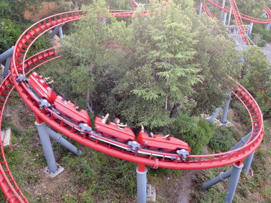 Montaña Rusa del parque de atracciones Tibidabo en Barcelona