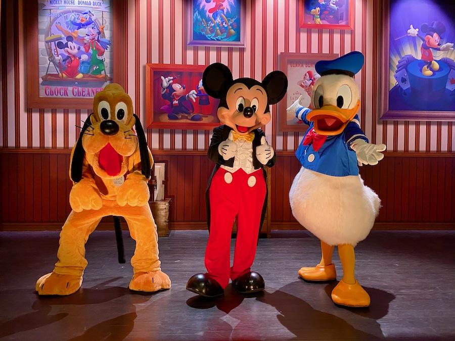 Mickey Donald y Pluto en Disneyland Paris