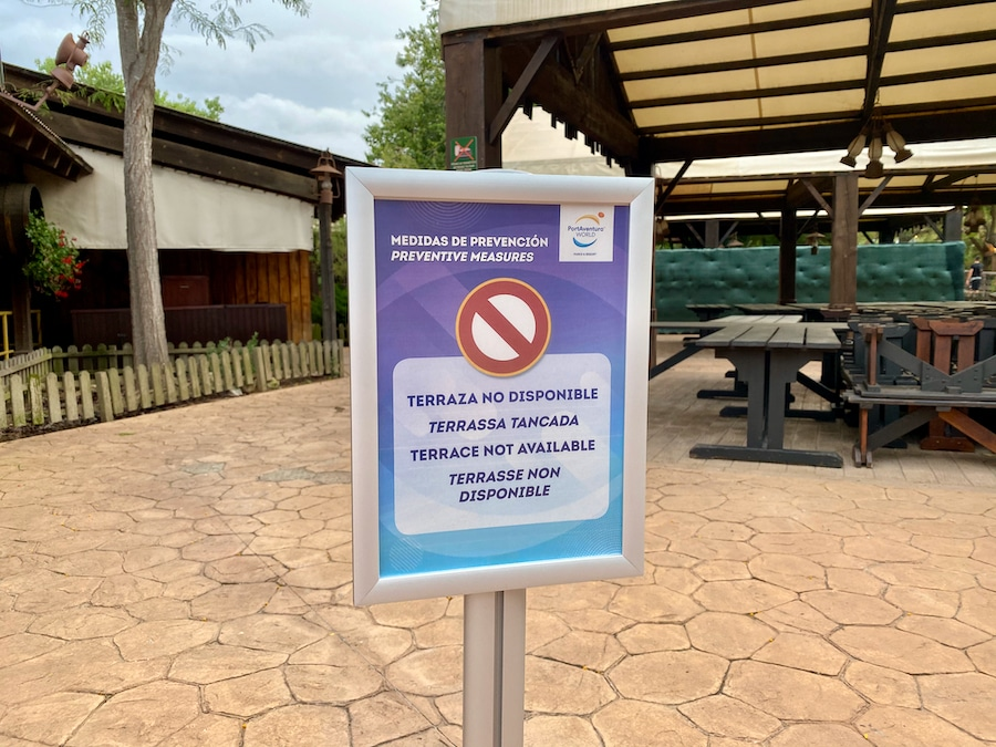PortAventura cartel de terraza cerrada por anti-COVID 2020