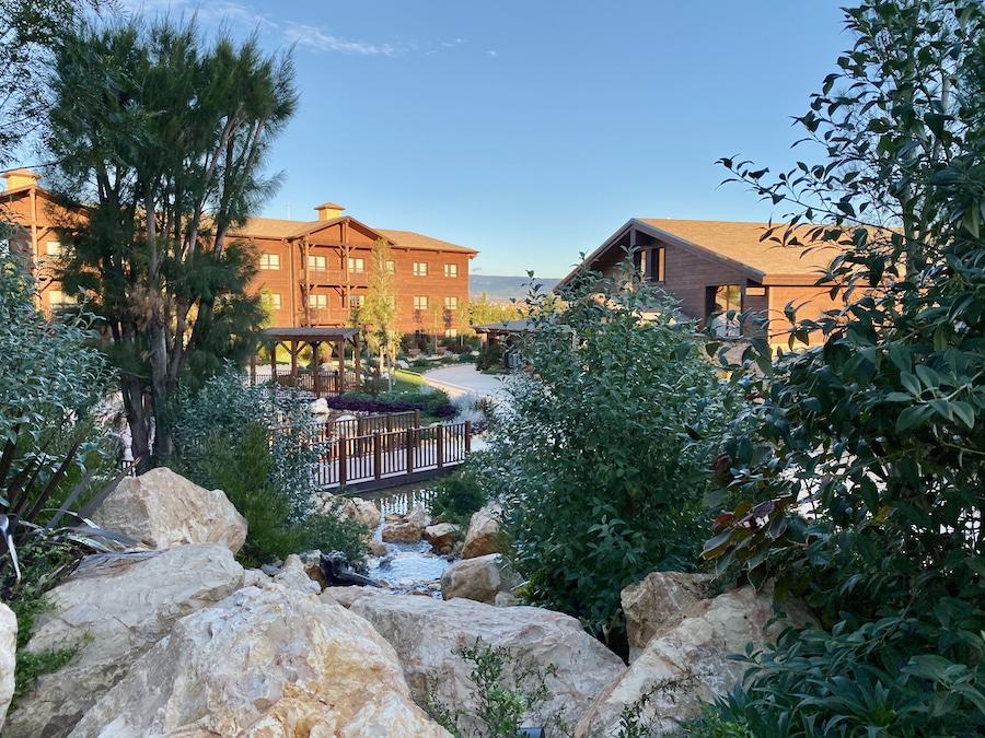 PortAventura vista de los jardines del hotel Colorado Creek
