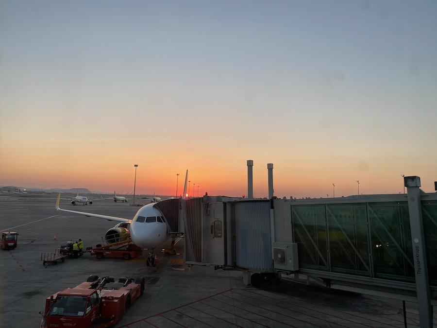 Amanecer en el aeropuerto de Barcelona