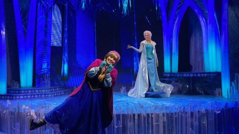 Anna y Elsa en Disneyland Paris - reserva con Lineberty