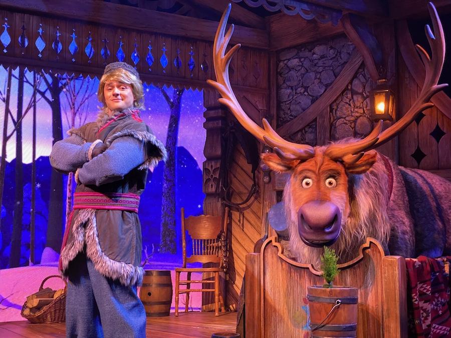 Kristoff y Sven de Frozen en Disneyland Paris accesible con Lineberty