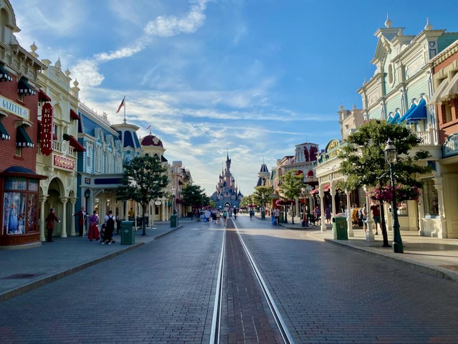 Main Street USA de Disneyland Paris casi vacia