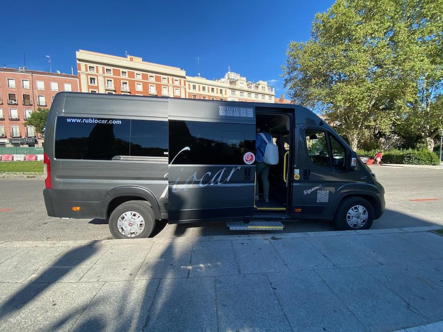 Minibus transporte a Puy du Fou España desde Madrid