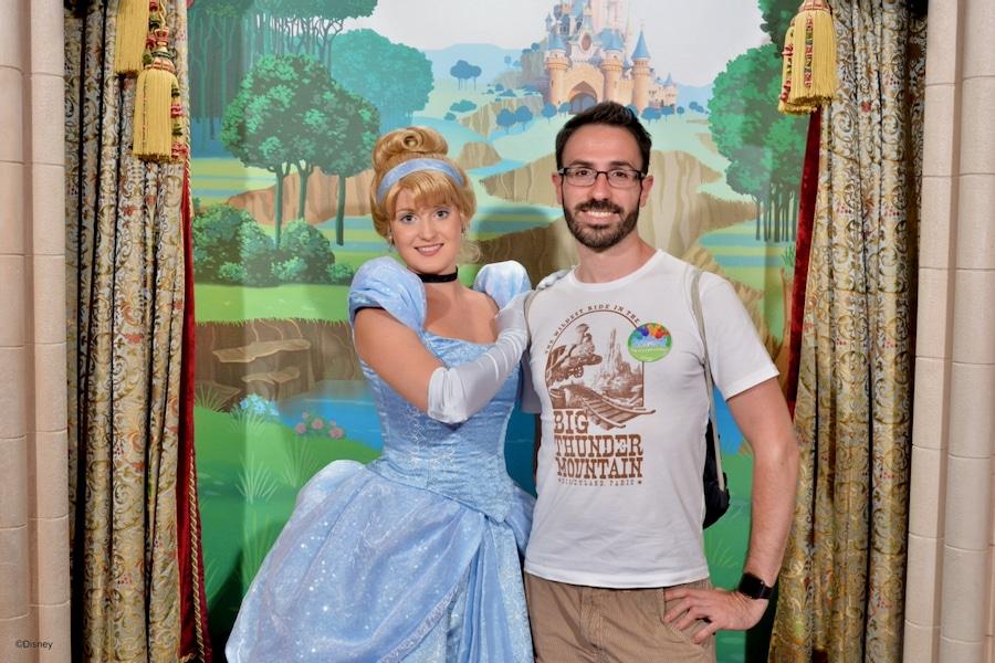 Foto con Cenicienta en el Pabellón de Princesas de Disneyland Paris