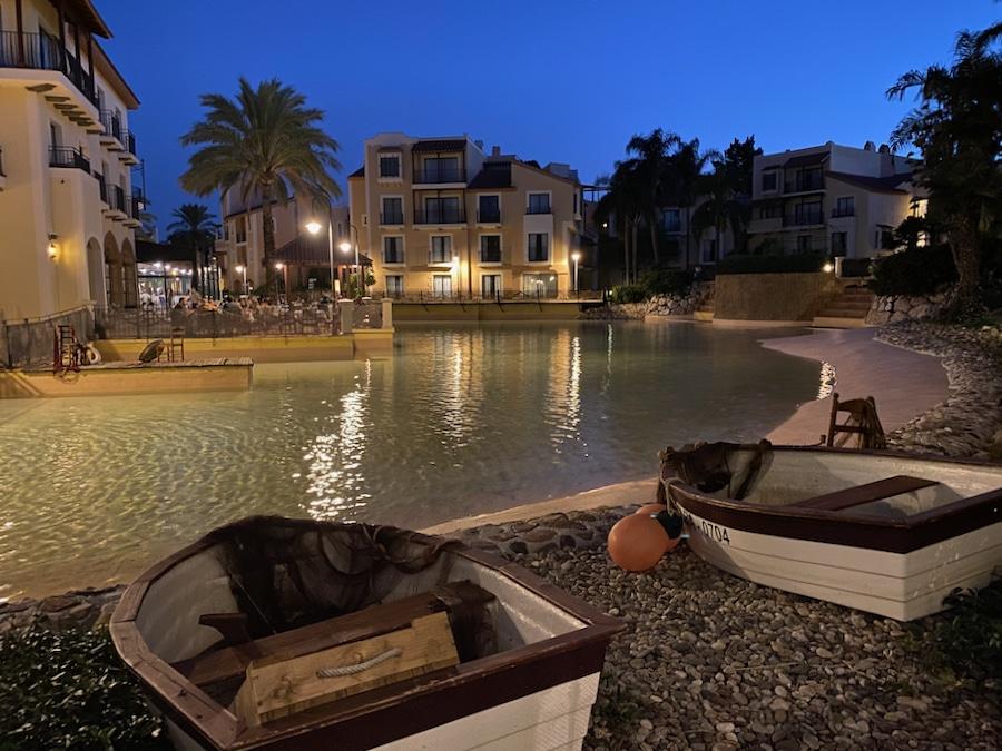 Hotel PortAventura de PortAventura World al anochecer