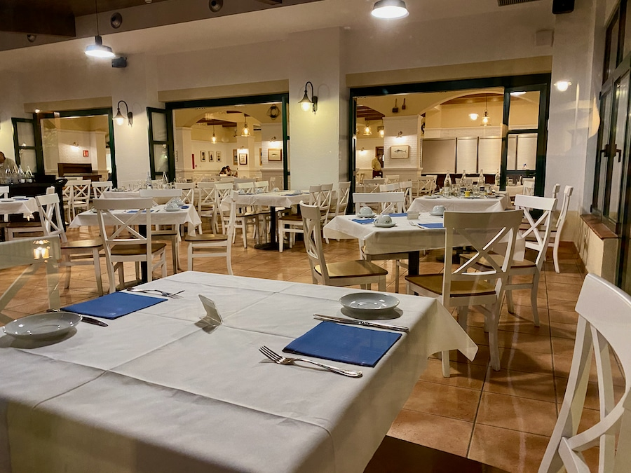 Interior del Buffet del Port restaurante del Hotel PortAventura de PortAventura World