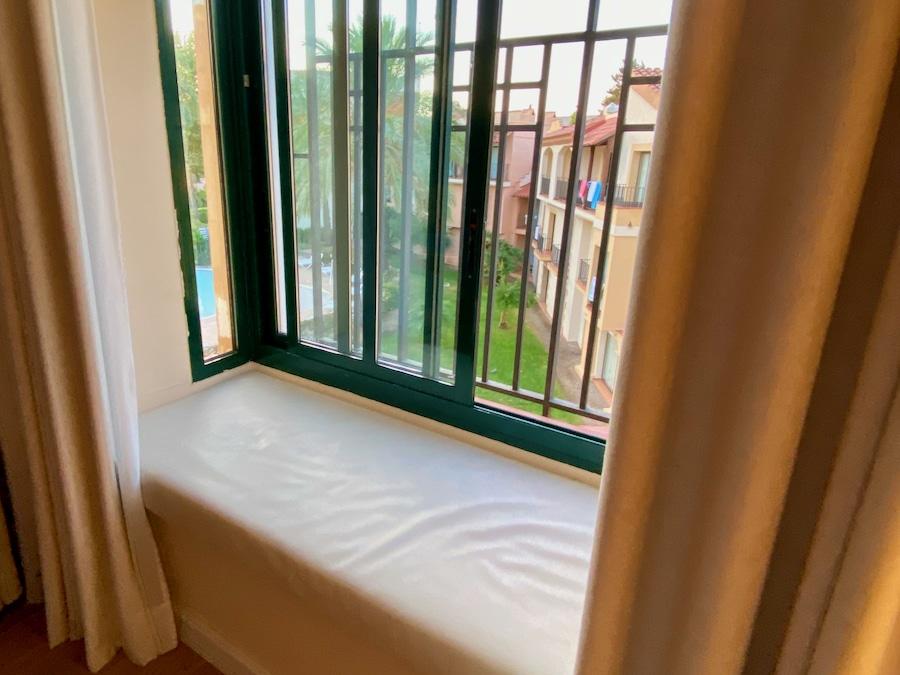 Ventana de habitación standard del Hotel PortAventura de PortAventura World
