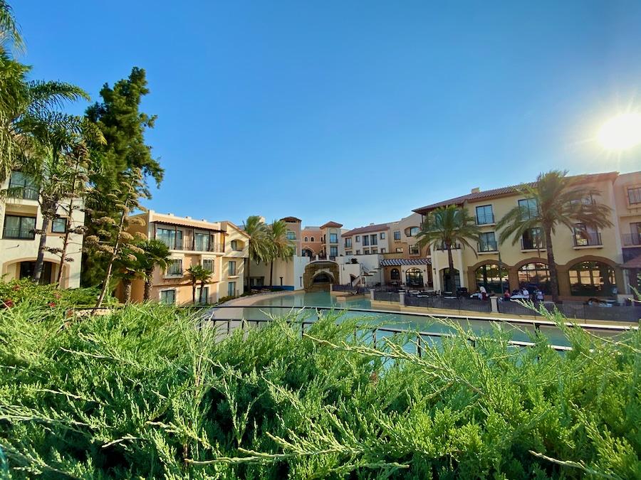 Vista de los edificios del Hotel PortAventura en PortAventura World