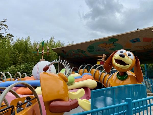 Slinky Dog Zigzag Spin Toy Story Land Atracción de Walt Disney Studios en Disneyland Paris
