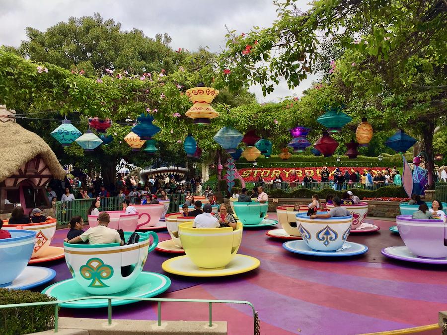 Atracción Mad Tea Party en Disneyland Resort California